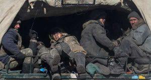 Ukrainian servicemen near Debaltseve